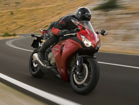 мотоцикл хонда cbr 1000