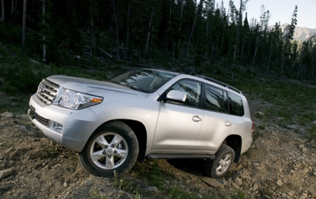 Тест-драйв Toyota Land Cruiser 200 (2008-ого года)