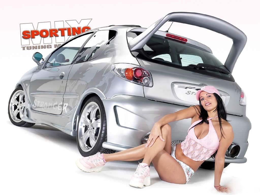 Psd шаблон - молодая красавица на ретро автомобиле
